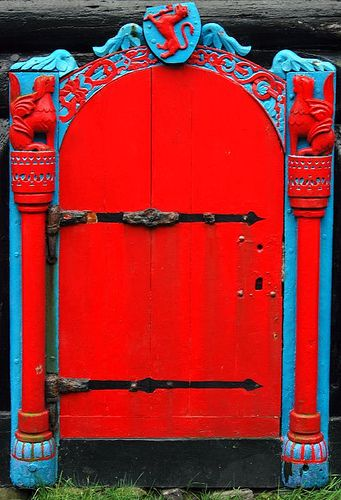 Amazing red and blue door - should definitely be the entrance to a castle! Kirkjubøur, Faroe Islands (by _Zinni_)