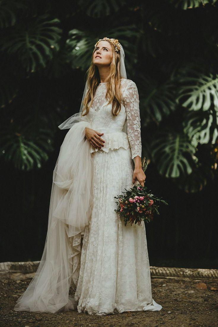 @avrsthings Este fue mi vestido de novia: En seda natural bordada y detalles de encaje en cintura y puños.  -Diseñador: Jesús Segado-