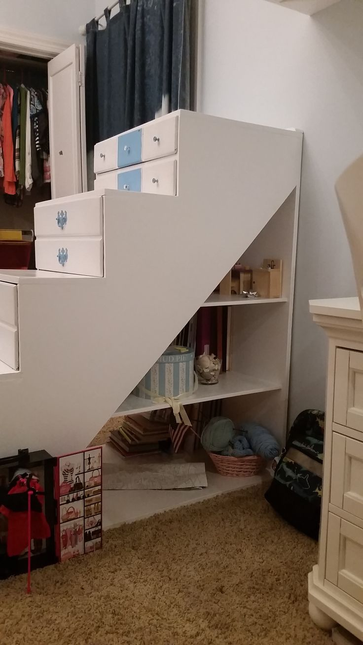 Pin by kristi hill on floating loft bed with stairs design for Floating loft bed designs