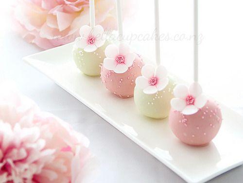 Flower Cake pops                                                                                                                                                     More