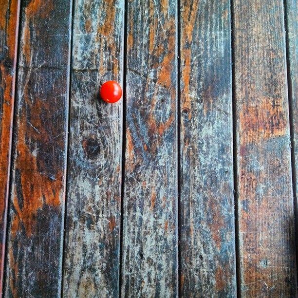 Yere düşen domates misali hayat...