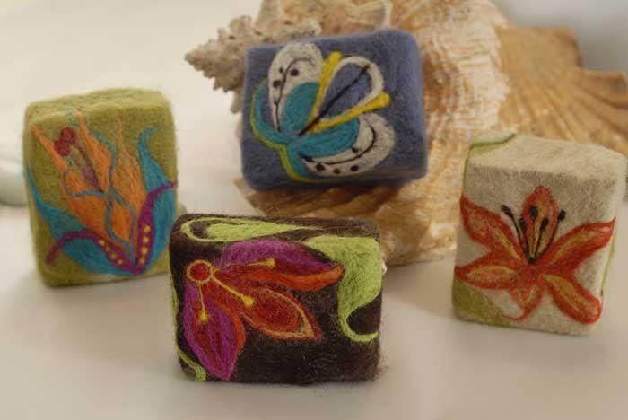 felted soap designs how to | madoshedesign-feltedsoap4a.jpg