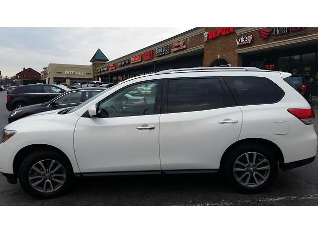 2014 Nissan Pathfinder lease in Staten Island, NY 390/month  10 months left current mi 19k, 1687 mi/month