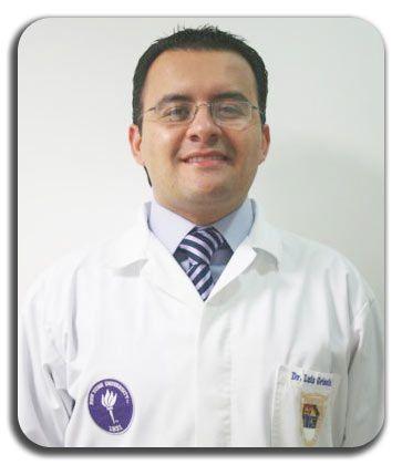 El Dr. Luis Grisolia, dentista en Guatemala, cuenta con el mejor equipo humano en su clínica dental en Guatemala.