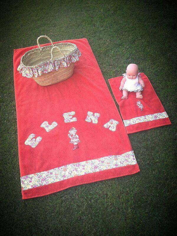 Toallas de ni a y de mu eca cesto y mu eca toallas - Toallas infantiles personalizadas ...