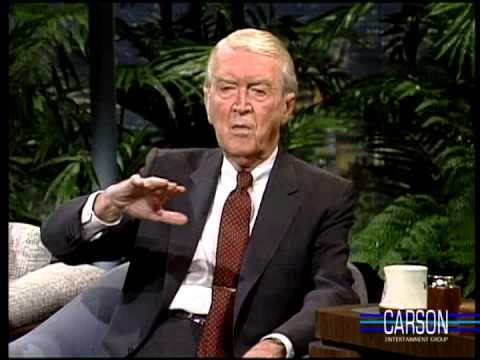 Jimmy Stewart is delightfully funny in this 1989 full interview with Johnny Carson, discussing his funny New Year's resolutions, learning to fly airplanes, playing the accordion, appearing on Broadway, and his daughter's work with mountain gorillas with Dian Fossey.