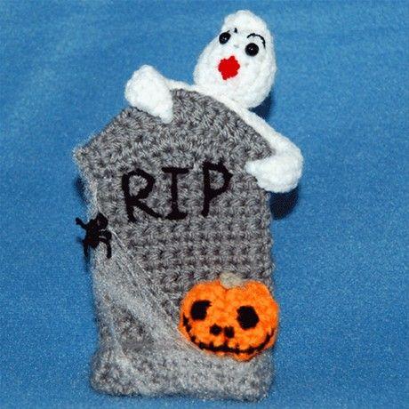 Amigurumi Halloween Tombstone, Ghost and Pumpkin (Free Download Pattern)