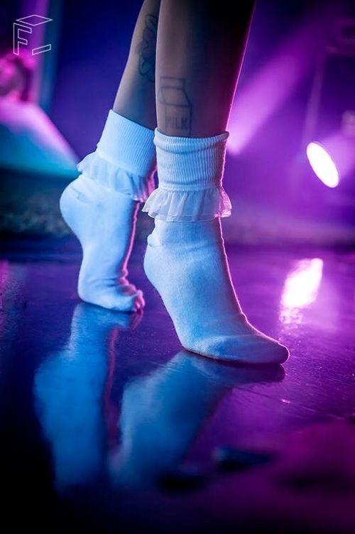 Que pés mais lindos
