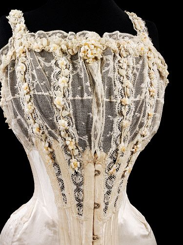 Bridal Corset,1905. This is gorgeous, I wish I could wear something like this under my wedding dress! Right now I'm struggling to find a strapless bra or Basque that doesn't have silicone in it, so something like this would be preferable!