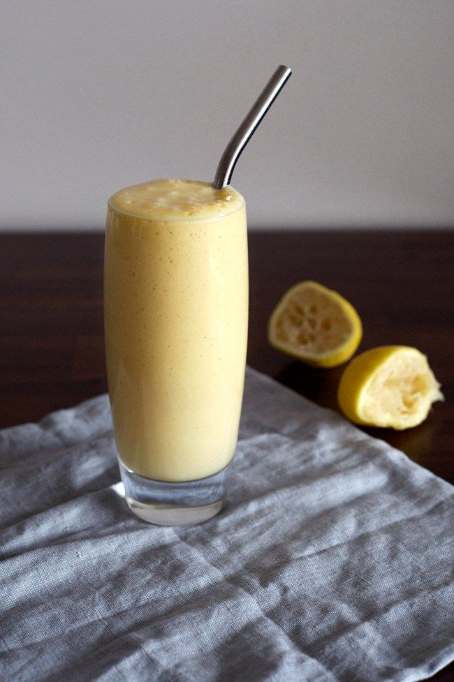 Lemon Meringue Pie Smoothie | An easy and delicious healthy smoothie! Paleo, vegan, dairy-free, gluten-free, sugar-free.
