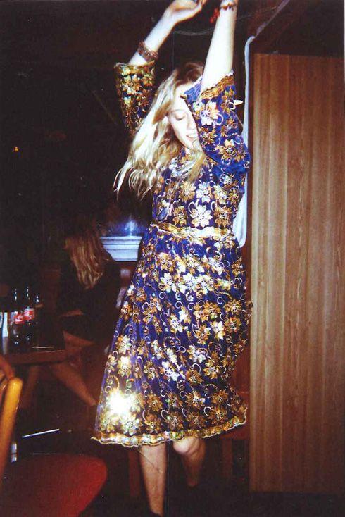 Gold dress gloves 12ct