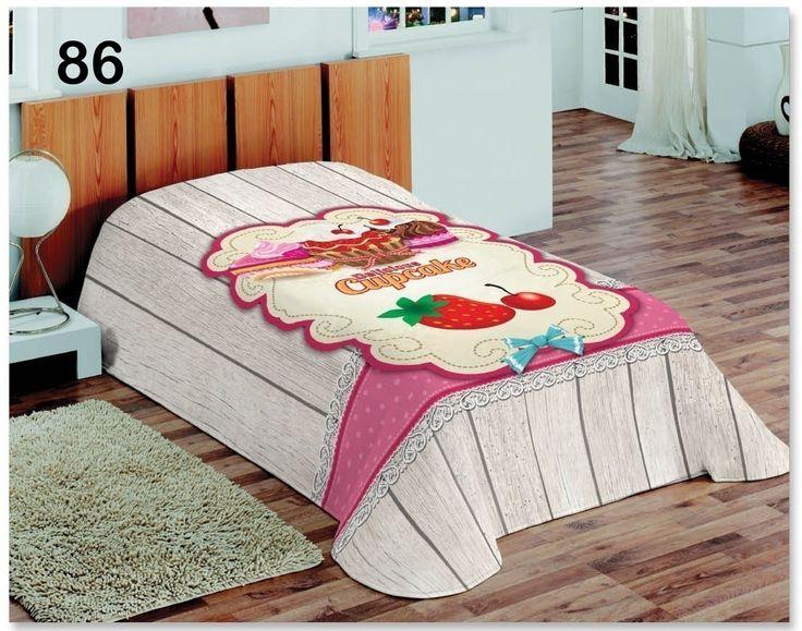 Różowe koce do sypialni z muffinkami