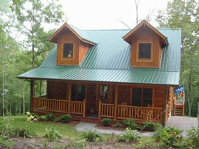 Small log cabin this would do livable by me for Small metal cabins