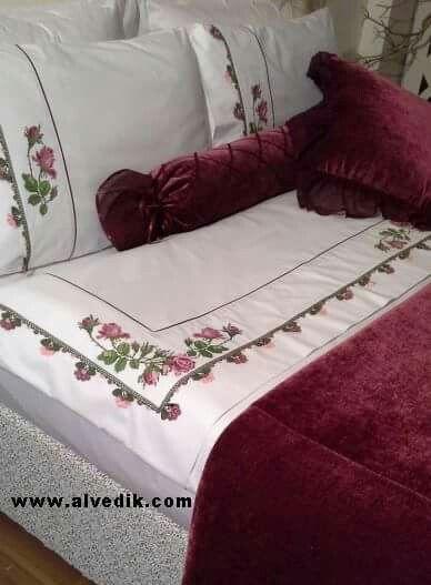 İşlemeli yatak takimmi