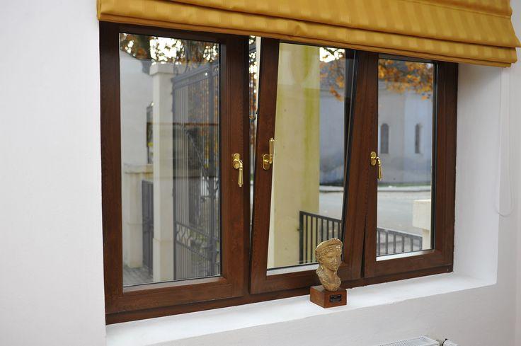 GEALAN wood decor window @SavarsinRoyalCastle #Savarsin