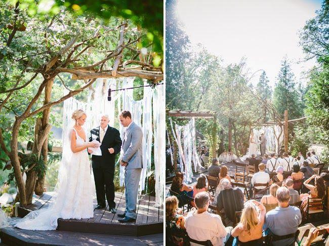 Casamentos criativos e personalizados  tem se tornado cada vez mais comuns, e eu acho isto um máximo pois a festa tende a não ser mais enges...