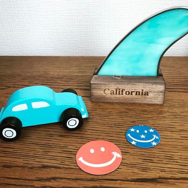 【baby_mukku】さんのInstagramをピンしています。 《こないだのフリマで買ったもの☺︎ #七里ヶ浜フリマ #サーフィン #surf #西海岸インテリア #西海岸風インテリア #青#海 #海を感じるインテリア #インテリア #カリフォルニアスタイル #ロンハーマン》