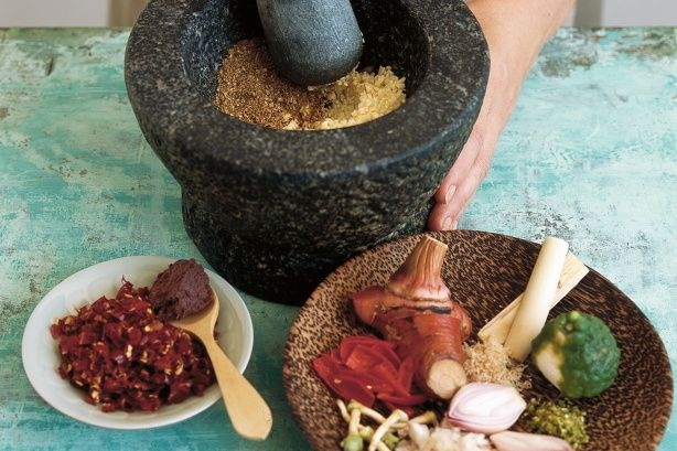 Basic Thai red curry paste