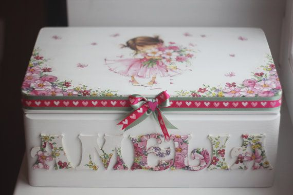 Wooden personalized baby keepsake box by Diumont on Etsy,