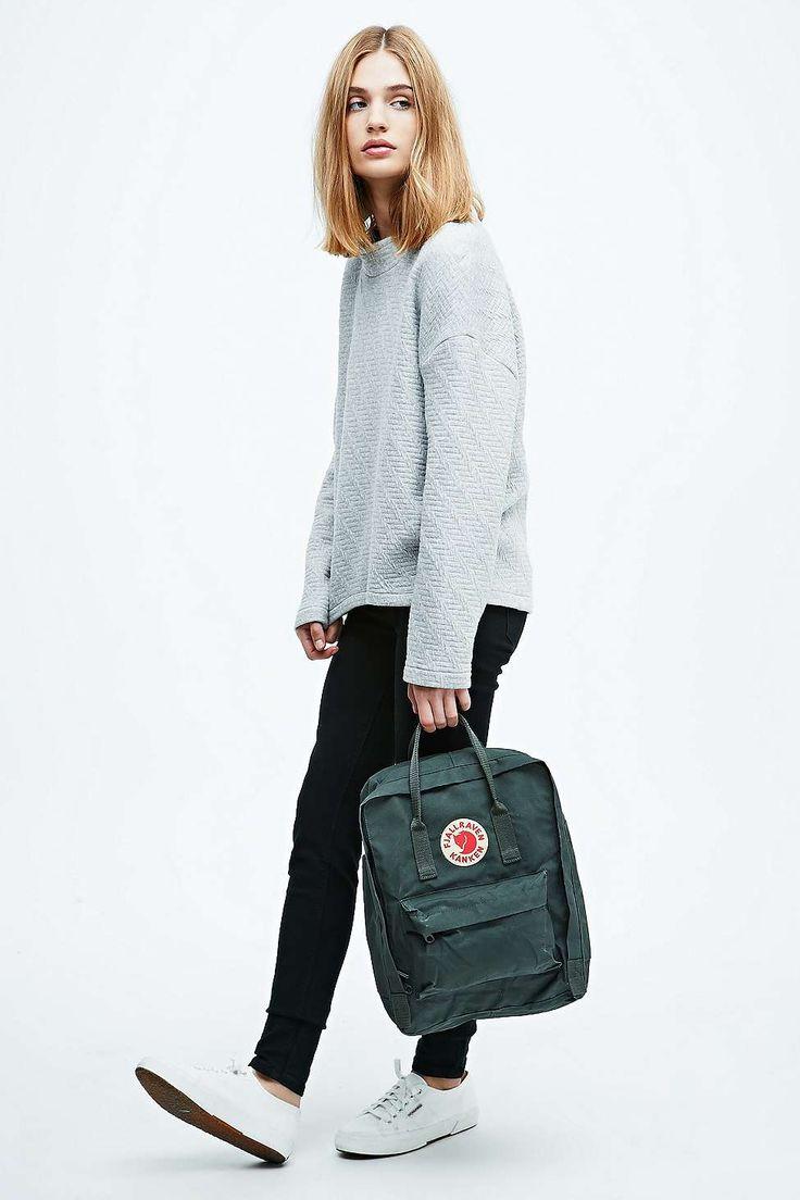 Fjallraven Kanken Classic Backpack in Forest Green