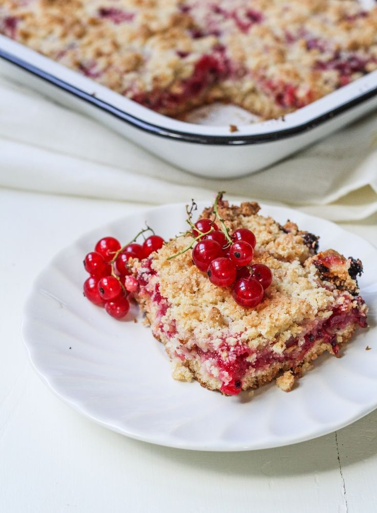Red Currant Crumb Bars {Katie at the Kitchen Door}- have a redcurrant bush in the garden. Made these (with added rhubarb) and would make them again!