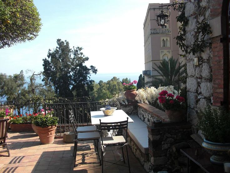 CASA OASI with terrace and view. - HomeAway Taormina Centre