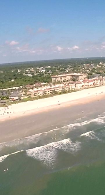 Anyone feel the urge to fly down to Atlantic Beach, Florida with us? Get a free FAS shirt as an extra bonus this month!  :-)   ------------------ #florida #beach #flying #flights #freefalling #skydiving #hanggliding