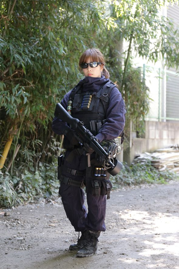 Airsoft Player in Japan. Fashion Photo Woman. SAS Style #camo #Military #girl…