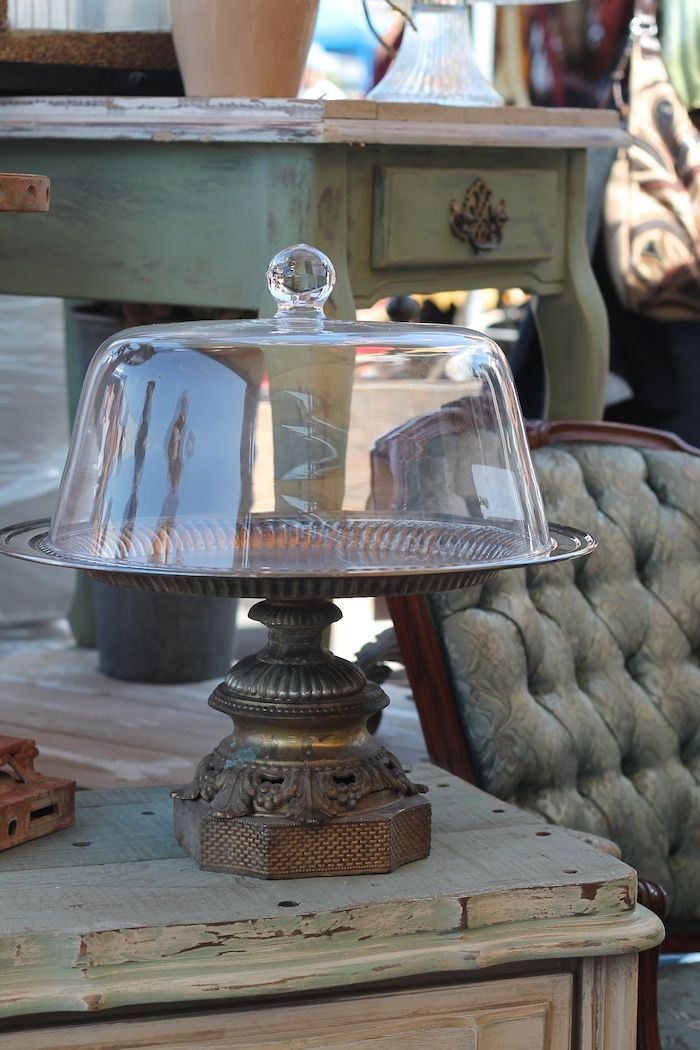 Long Beach Flea Market finds on Carrie Bradshaw Lied - - - Maybe a small lamp base?
