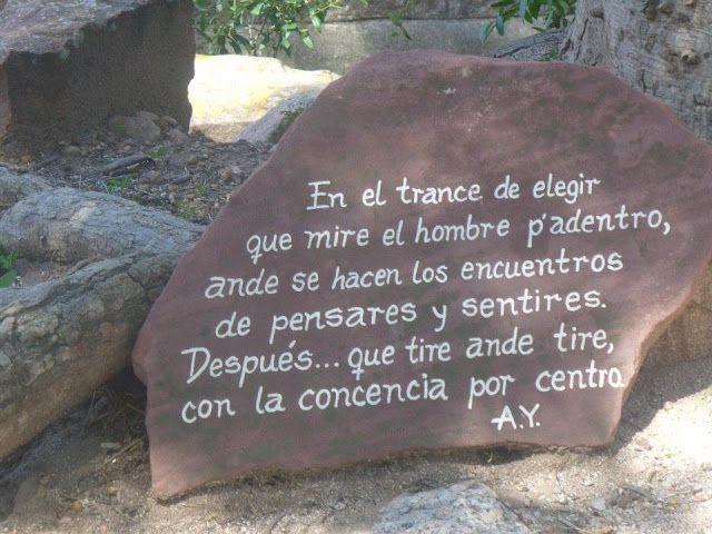 Pinacoteca Fantástica: Piedra recordatoria de Atahualpa Yupanki