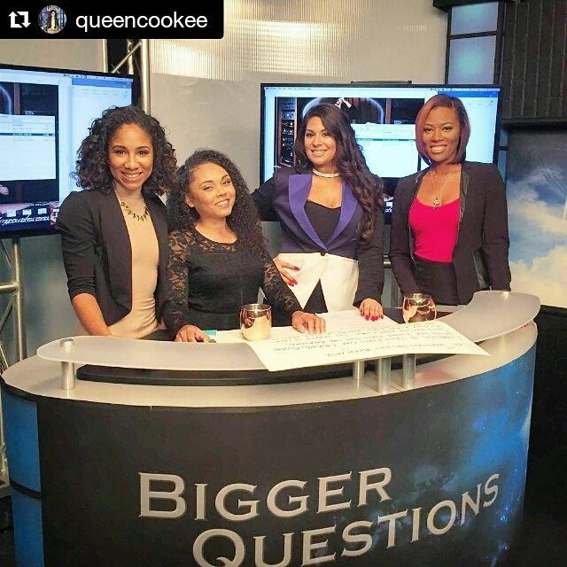 This Sunday Feb 14th at Avalon Hollywood 5pm to 9pm Thediaryofasongwriter.com #Repost @queencookee Was Blessed to work with these beauties today shooting for @thediaryofasongwriter we played news anchors fun times! Love to @Lionzdenz & his team for a dope shoot! Feb 14th the book is out make sure you support! The best part was working with Lavender from Matilda  I was geeked  #80sBaby to the fullest  Hair @longbeachleah #DiaryOfASongwriter #SheetMusic #WeAreUrbanHollywood #Women #Strength…