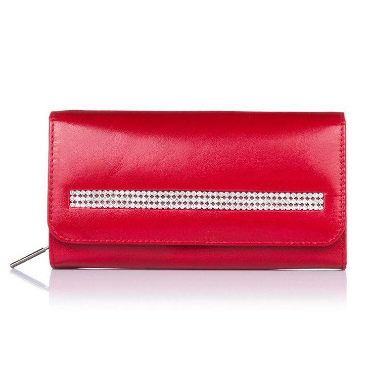 All offer od ladies wallets you can check here: http://supergalanteria.pl/ona-produkty-dla-kobiet/portfele-damskie
