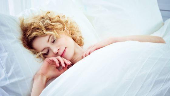 Por qué nos hace falta #dormir es un misterio. Lo cierto es que un tercio de nuestras vidas lo pasamos durmiendo, así que lo mejor es aprovechar al máximo el tiempo de #descanso. Pero, ¿cuál es la mejor manera de hacerlo?