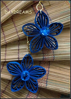Blue Flower Earrings -Site Doesn't Give Good Instructions