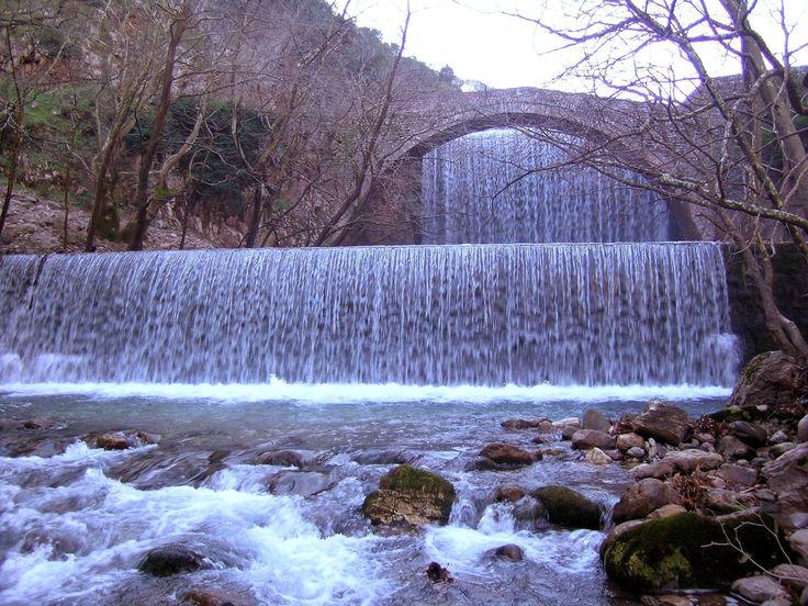 Καταρράκτης Παλαιοκαρυάς ποταμός Πορταϊκός  Greece Trikala