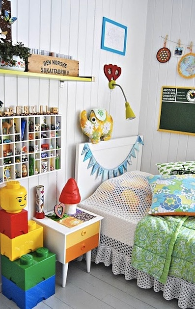 Lego white rooms and kid bedrooms on pinterest - Picture of teeneger room decoration ...