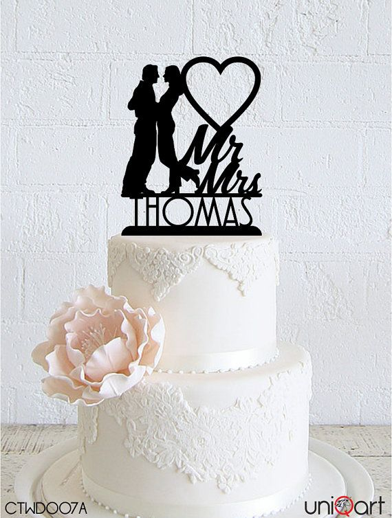 Couple in Love Personalized Wedding Cake Topper, Customizable Lastname, Removable Stakes, Free Base for After Event, Gift Keepsake CTWD007A