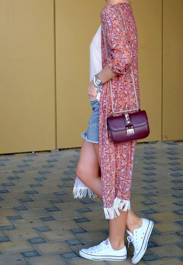 Кимоно: модная накидка с бахромой