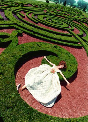 Gallery David LaChapelle: Retrospective exhibition at Le Palais de la Monnaie #lifeinstyle #greenwithenvy