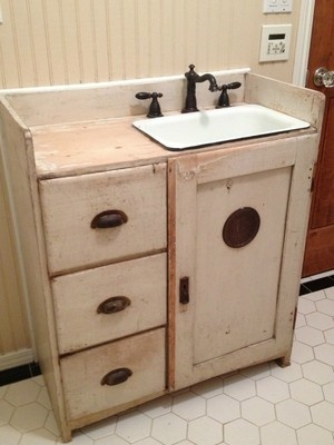 Vintage Bathroom Vanity With Farmhouse Sink And Accessories
