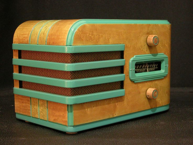 1937 Stewart Warner Model R-304, 5 tubes, completely restored, beautiful