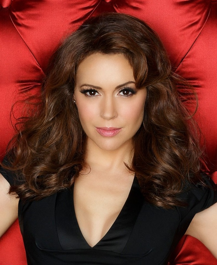 Alyssa Milano makeup and hair.