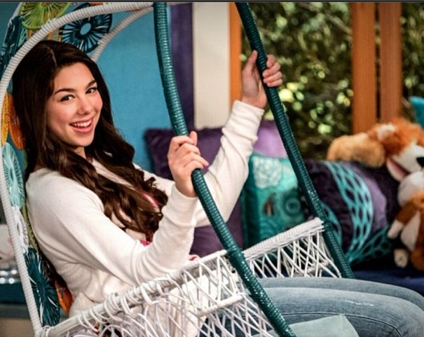 Kira  as phoebe  on thundermans on nick