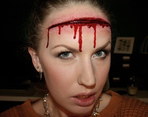 Gaping Wound Makeup   21 Easy Hair And Makeup Ideas For Halloween