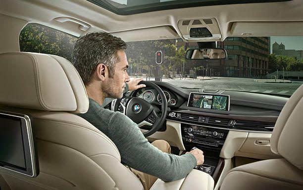 BMW-X5-Has-a-Large-Size-Cabin-Interrior.jpg (612×383)