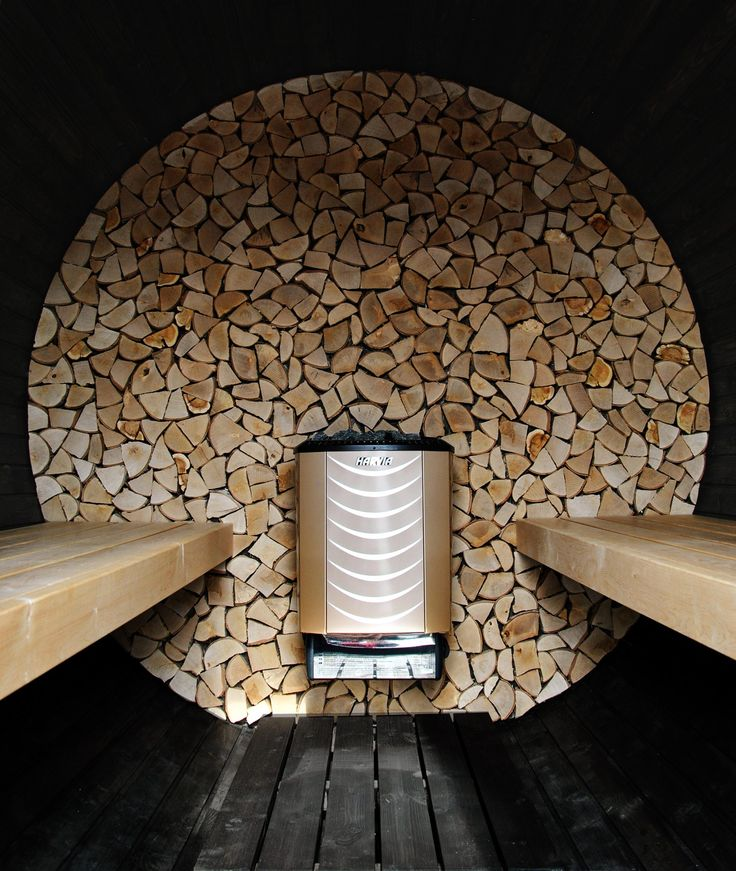 Beautiful and unique barrel sauna.  Sauna gold!