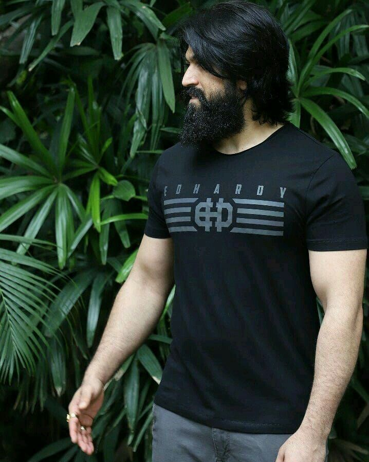 Pin By Freshwallpapers On Rocking Star Yash Beard Styles Mens Hairstyles With Beard Beard Styles For Men