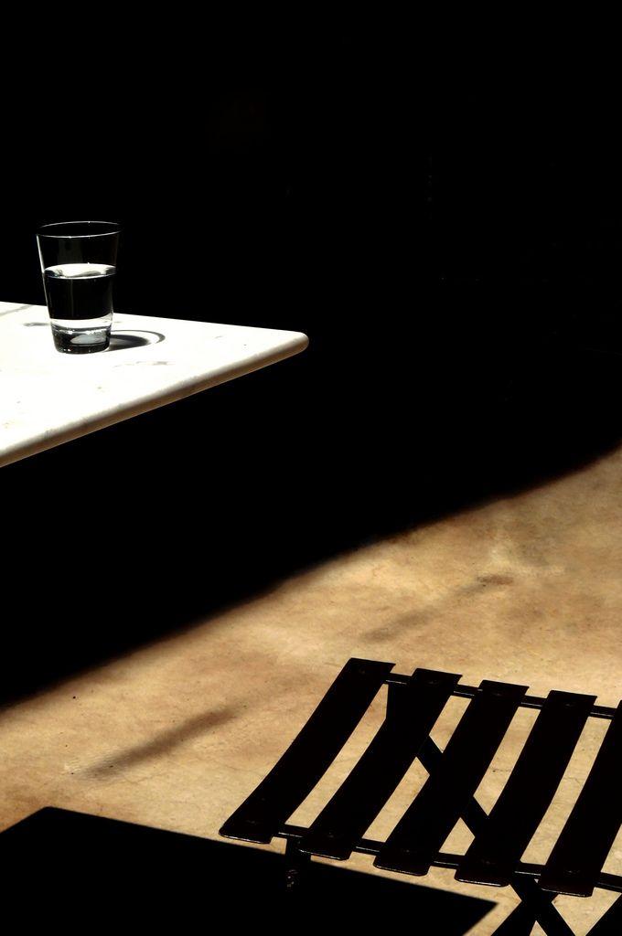 il bicchier di acqua (L'attesa) | © alberta dionisi