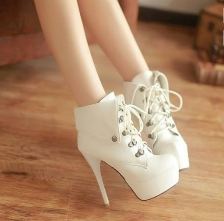 hermosos botines taco blanco color crema