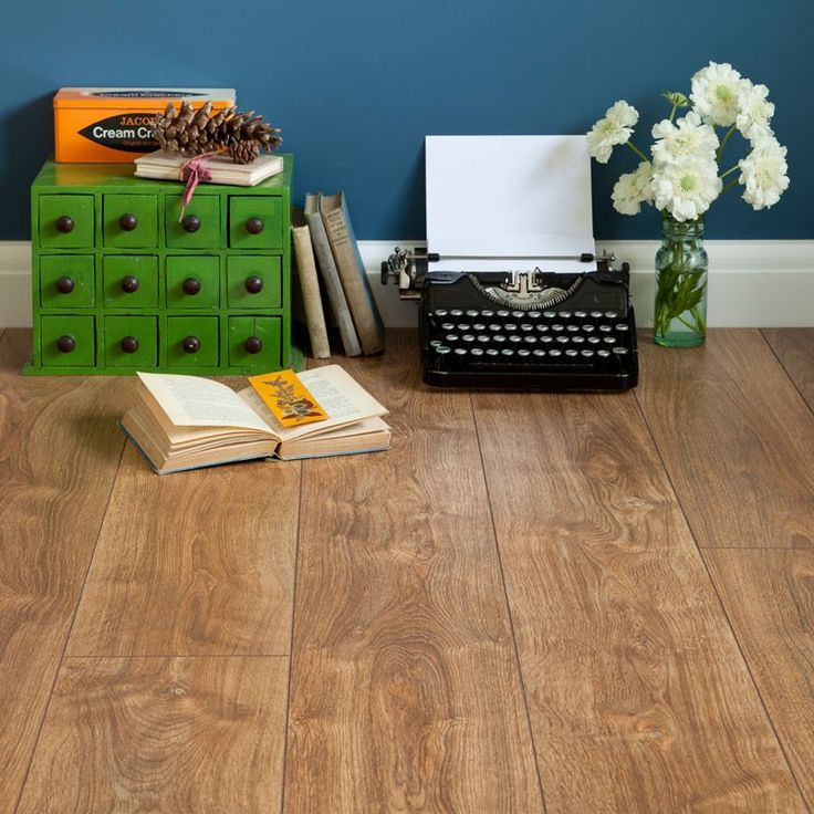 £8.40 Series Woods 7mm Rustic Oak V Groove Laminate Flooring